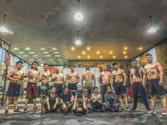 CrossFit MAY 六尘综合体能训练中心
