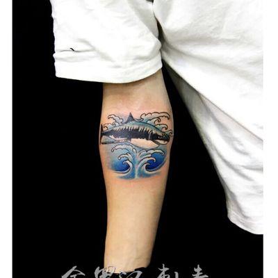 鲨鱼纹身款式图