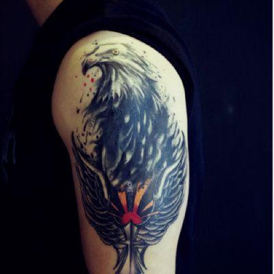 翅膀+鹰纹身款式图