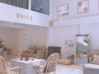 WHITE HABA