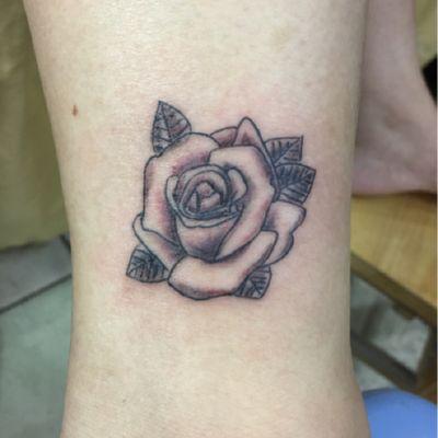 脚踝玫瑰纹身款式图