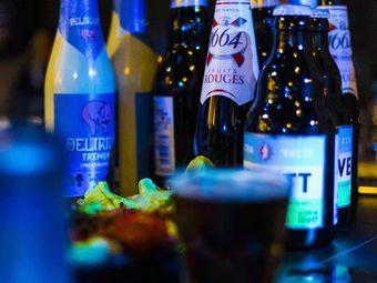 海岛鲤主题酒吧