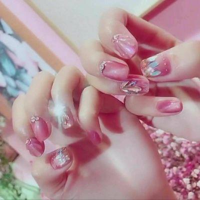 粉红少女心美甲款式图