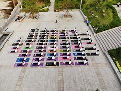 京美国际瑜伽的图片