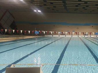 遵义蓝鲨体育游泳培训中心