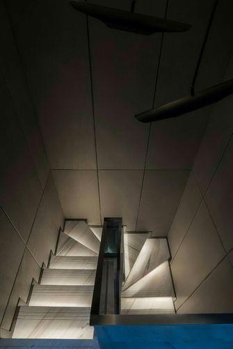 140平米复式null风格楼梯间欣赏图