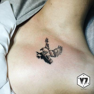 小鹰纹身图
