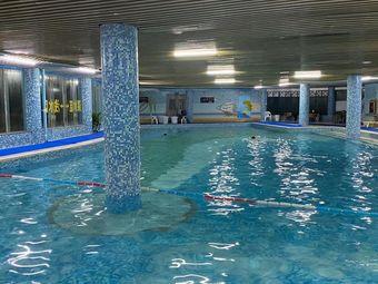 多彩恒温泳池