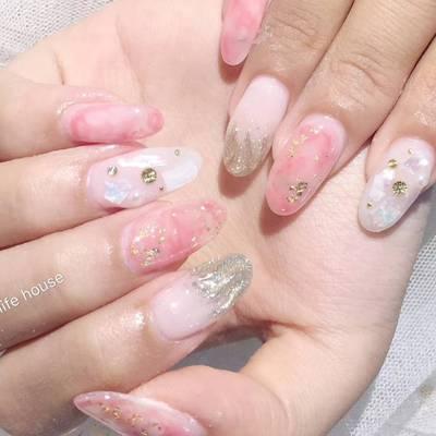 粉色大理石美甲款式图