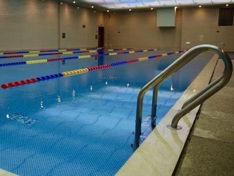 菲尼克斯游泳健身(南湖国际会展酒店)