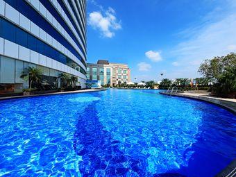厚街国际大酒店游泳池