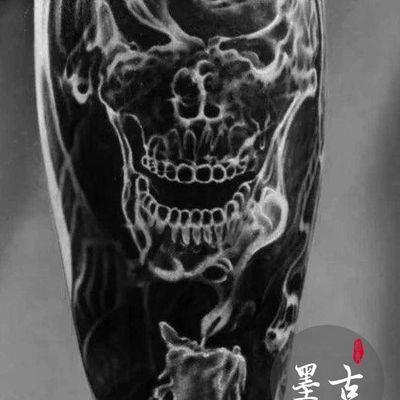 烟雾骷髅纹身图