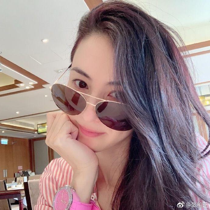 粉丝偶遇张柏芝求合照,她的这个动作引网友大呼:我酸了  第5张