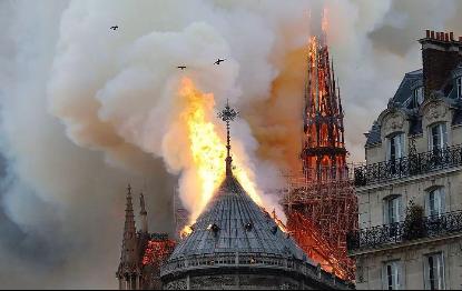 刘晓庆发文感慨巴黎圣母院失火,她的这句话引发了网友的思考  第3张