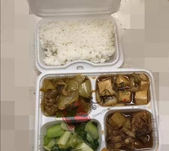 央视春晚大揭秘:现场曝光很奢华,盒饭却略显朴素?
