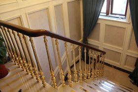 美式風格樓梯間效果圖