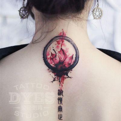 水墨晕染莲花纹身款式图