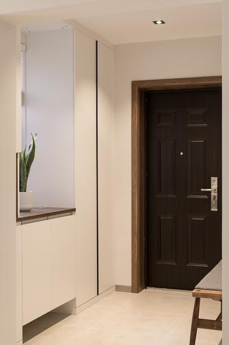 130平米三室两厅现代简约风格玄关图