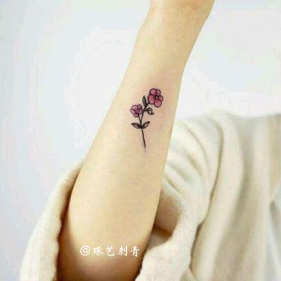 清新玫瑰纹身款式图