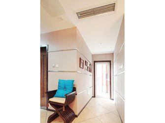 10-15万100平米三室一厅东南亚风格走廊装修效果图