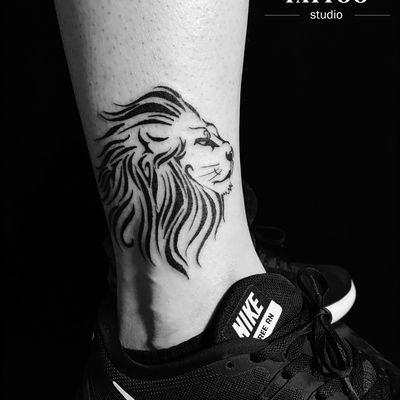 脚踝图腾狮子纹身图