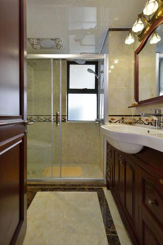 富裕型140平米三室两厅中式风格卫生间欣赏图