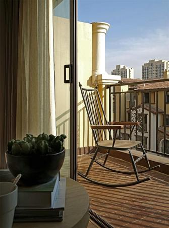 90平米现代简约风格阳台图