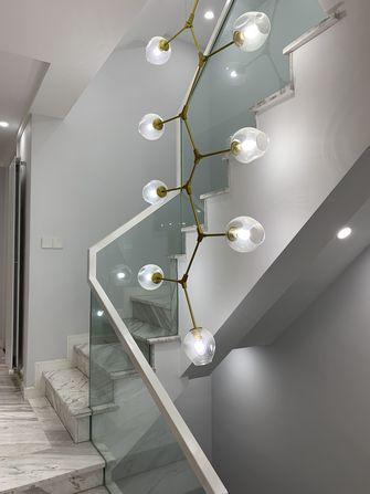 现代简约风格楼梯间装修案例