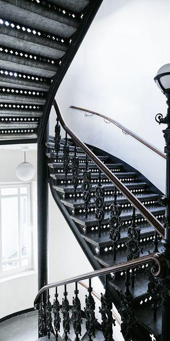 140平米三室两厅欧式风格楼梯间图