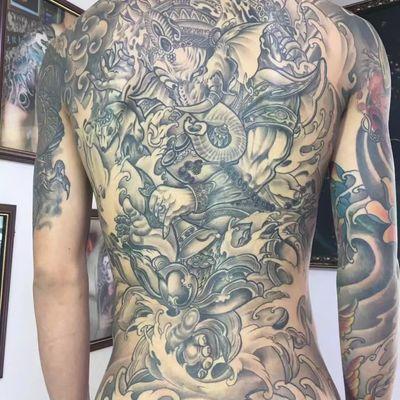 满背象神纹身款式图