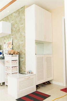 富裕型140平米三室一廳現代簡約風格玄關裝修案例