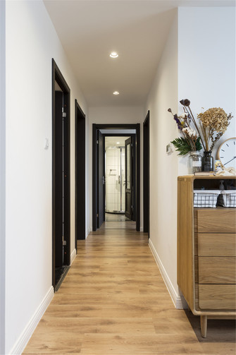 90平米三室一厅日式风格走廊图