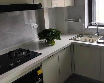 120平米英伦风格厨房效果图