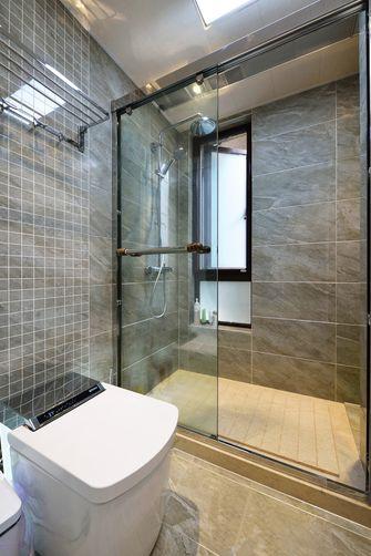 130平米三室两厅现代简约风格卫生间装修效果图