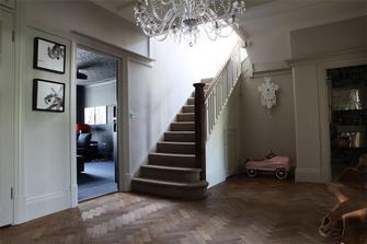 10-15万80平米三室一厅英伦风格楼梯效果图