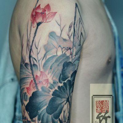水墨荷花纹身款式图