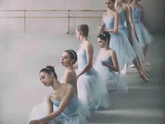 舞与伦比舞蹈培训中心(天鹅湖万达店)