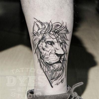 设计风格线条狮子纹身款式图