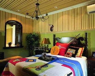 140平米别墅东南亚风格儿童房图