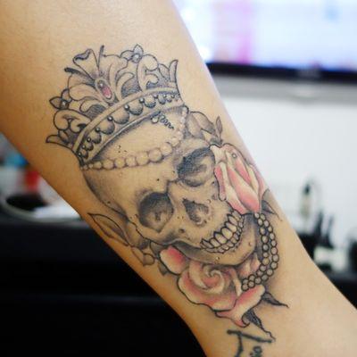 作品--花与骷髅纹身款式图