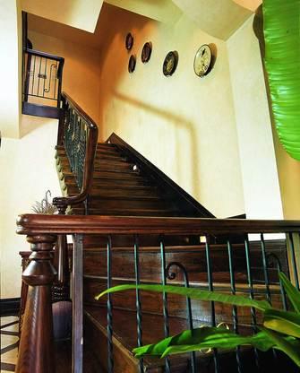 140平米别墅东南亚风格楼梯间装修案例