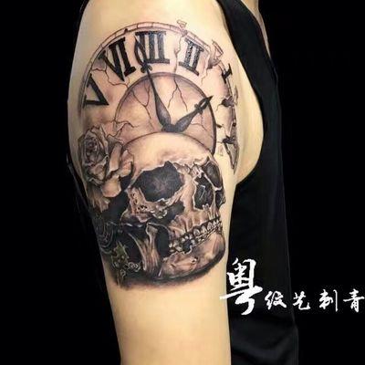 骷髅+钟表纹身图