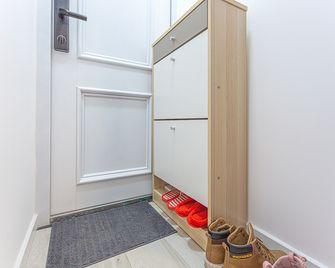 60平米公寓宜家风格玄关装修效果图