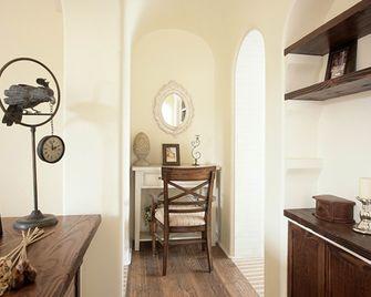 80平米公寓地中海风格梳妆台设计图