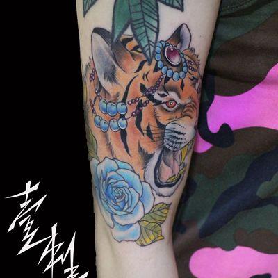 彩色老虎纹身款式图