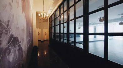 140平米英伦风格走廊图片