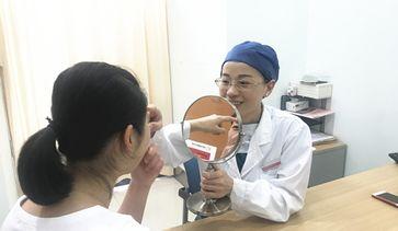 王玲医师面诊中
