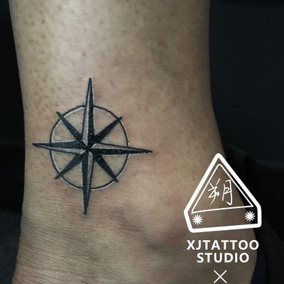 脚踝指南针纹身款式图