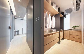 70平米三室两厅现代简约风格衣帽间图片
