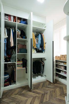 110平米三室兩廳現代簡約風格衣帽間設計圖